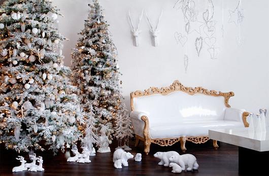 Arboles de navidad nevados decorados